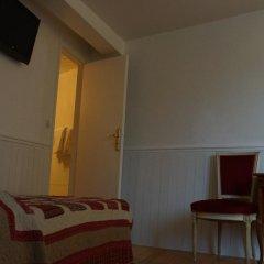 Отель Apollo Opera сейф в номере