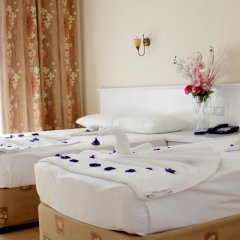 Azak Beach Hotel комната для гостей
