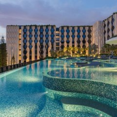 Village Hotel at Sentosa by Far East Hospitality бассейн
