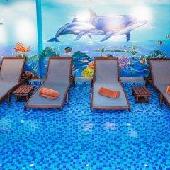 Отель Nuni Homestay Хойан бассейн фото 2