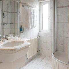Отель Restaurant Villa Flora Аниф ванная