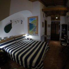 Отель La Zagara Минори сейф в номере