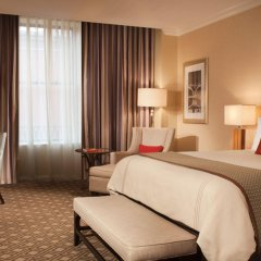 Omni Severin Hotel удобства в номере