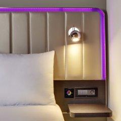 Отель Park Inn by Radisson Izmir сейф в номере