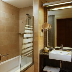 Отель Amwaj Rotana, Jumeirah Beach - Dubai ванная фото 2