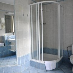 Отель FESTIVAL Hotel Apartments Чехия, Карловы Вары - отзывы, цены и фото номеров - забронировать отель FESTIVAL Hotel Apartments онлайн ванная фото 2