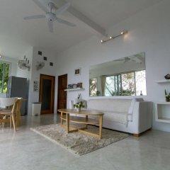Отель Monkey Flower Villas комната для гостей
