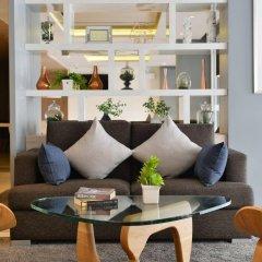Отель The Grass Serviced Suites by At Mind интерьер отеля фото 2