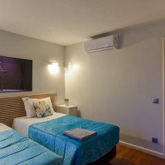 Отель Feel Porto Ribeira Vintage Duplex сейф в номере