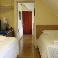 Отель Debden Guest House удобства в номере
