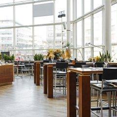 Отель Scandic Triangeln Швеция, Мальме - 1 отзыв об отеле, цены и фото номеров - забронировать отель Scandic Triangeln онлайн гостиничный бар