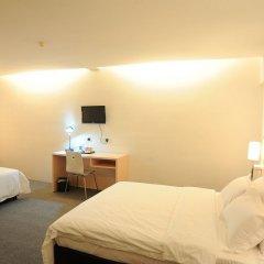 Отель Super 8 Hotel @ Georgetown Малайзия, Пенанг - отзывы, цены и фото номеров - забронировать отель Super 8 Hotel @ Georgetown онлайн комната для гостей фото 3