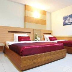 Amnauysuk Hotel сейф в номере