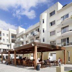 Отель Capital Coast Resort & Spa бассейн фото 3