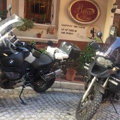 Berce Hotel Стамбул парковка