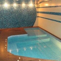 Veles Hotel бассейн