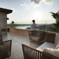 Radisson Blu Hotel Istanbul Pera Турция, Стамбул - 2 отзыва об отеле, цены и фото номеров - забронировать отель Radisson Blu Hotel Istanbul Pera онлайн бассейн