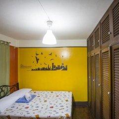 Отель Mad Cow Hostel Asoke Таиланд, Бангкок - отзывы, цены и фото номеров - забронировать отель Mad Cow Hostel Asoke онлайн комната для гостей фото 2