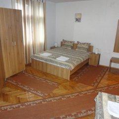 Отель Guest Rooms Donovi Болгария, Варна - отзывы, цены и фото номеров - забронировать отель Guest Rooms Donovi онлайн сейф в номере