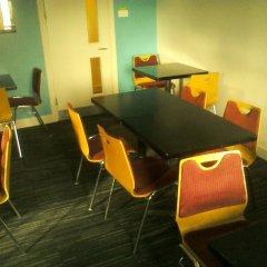 YHA Littlehampton - Hostel гостиничный бар
