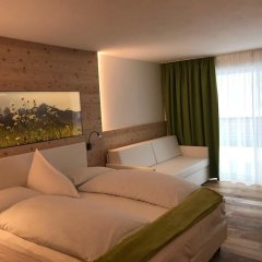 Отель Paradies pure mountain resort Стельвио комната для гостей фото 3