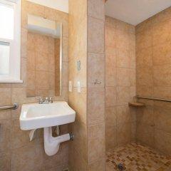 Отель Jerry's Motel США, Лос-Анджелес - отзывы, цены и фото номеров - забронировать отель Jerry's Motel онлайн ванная