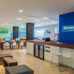 Отель One Guadalajara Expo гостиничный бар