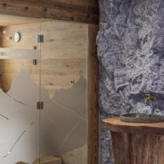 Отель Alt-Kaisers Австрия, Хохгургль - отзывы, цены и фото номеров - забронировать отель Alt-Kaisers онлайн ванная фото 2