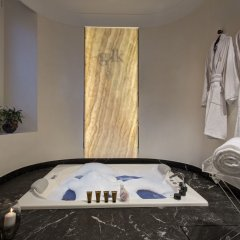 Отель GKK Exclusive Private Suites сауна