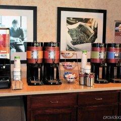 Отель Hampton Inn & Suites Springdale питание