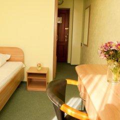 Гостиница Бердянск комната для гостей фото 4