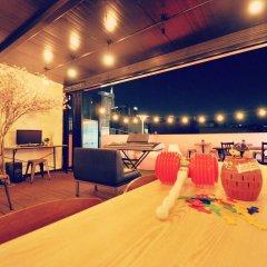 Отель Kimchee Dongdaemun Guesthouse Сеул гостиничный бар
