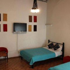 Отель Hostal Centro Historico Regina Мексика, Мехико - 1 отзыв об отеле, цены и фото номеров - забронировать отель Hostal Centro Historico Regina онлайн комната для гостей фото 2