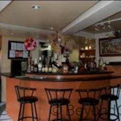 Century Plaza Hotel гостиничный бар