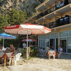 Glyfada Beach Hotel бассейн