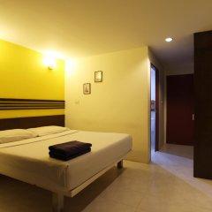 18 Coins Cafe & Hostel комната для гостей