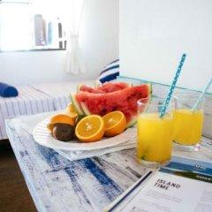 Отель Thulusdhoo Surf Camp Остров Гасфинолу в номере фото 2