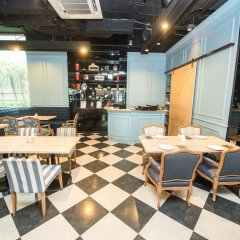 Отель Vic3 Bangkok гостиничный бар