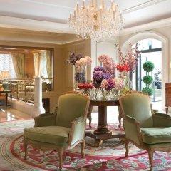 Four Seasons Hotel Prague интерьер отеля
