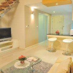 Отель Duplex 21 Apartment Таиланд, Бангкок - отзывы, цены и фото номеров - забронировать отель Duplex 21 Apartment онлайн комната для гостей фото 3