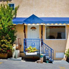 Отель The Alpine Inn & Suites парковка