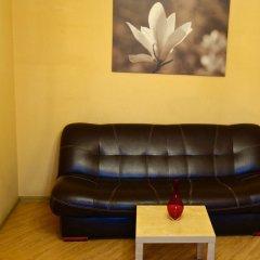 Апартаменты LUXKV Apartment on Smolenskaya комната для гостей фото 4