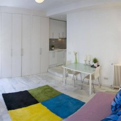 Отель Apartamentos Puerta Del Sol - Plaza Mayor Испания, Мадрид - отзывы, цены и фото номеров - забронировать отель Apartamentos Puerta Del Sol - Plaza Mayor онлайн комната для гостей фото 4
