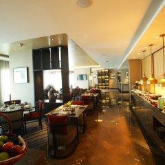 Отель Crowne Plaza New Delhi Mayur Vihar Noida питание фото 2