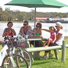 Отель Holiday Haven Burrill Lake Австралия, Сассекс-Инлет - отзывы, цены и фото номеров - забронировать отель Holiday Haven Burrill Lake онлайн спортивное сооружение