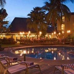 Отель Mercure Nadi Фиджи, Вити-Леву - отзывы, цены и фото номеров - забронировать отель Mercure Nadi онлайн бассейн фото 2