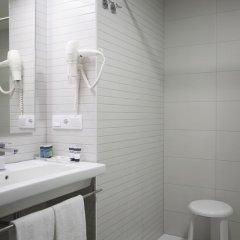Отель Casual de las Olas San Sebastian Испания, Сан-Себастьян - отзывы, цены и фото номеров - забронировать отель Casual de las Olas San Sebastian онлайн ванная