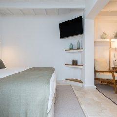 Отель S'Hotelet D'Es Born - Suites And Spa Испания, Сьюдадела - отзывы, цены и фото номеров - забронировать отель S'Hotelet D'Es Born - Suites And Spa онлайн комната для гостей фото 3
