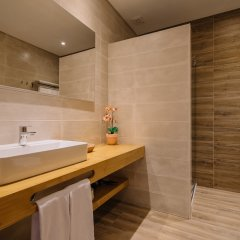 Отель Quinta Dos Poetas Hotel Португалия, Пешао - отзывы, цены и фото номеров - забронировать отель Quinta Dos Poetas Hotel онлайн ванная