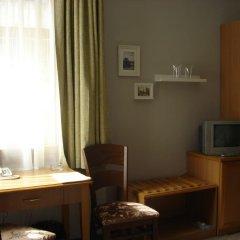Отель Kapri Hotel Болгария, София - отзывы, цены и фото номеров - забронировать отель Kapri Hotel онлайн сейф в номере